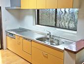 キッチン取替え、床上張り、クロス貼り替え工事